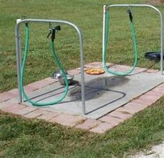 Can be portable with dry stack patio tiles. Bring in t… Dog wash station. Can be portable with dry stack patio tiles. Bring in t… Dog wash stat Portable Dog Kennels, Dog Washing Station, Dog Station, Dog Playground, Playground Design, Playground Ideas, Diy Dog Kennel, Kennel Ideas, Dog Yard