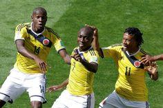 Veja as melhores fotos da partida entre Colômbia e Grécia (© AP)