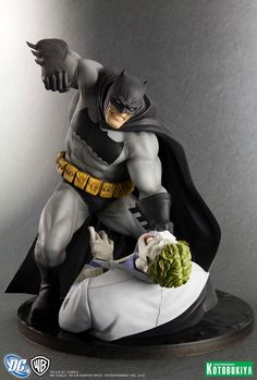 58-256-the-dark-knight-returns-batman-vs-joker-artfx-statue.jpg (864×1281)