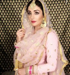 Haute spot for Indian Outfits. Bridal Suits Punjabi, Punjabi Dress, Punjabi Bride, Pakistani Bridal, Bridal Lehenga, Pakistani Dresses, Indian Bridal, Indian Dresses, Indian Outfits