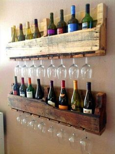 Homemade wine rack pallet recycled pallets ideas wine bottle and wine glass holding wall rack made from wood pallets diy wine rack pallet plans how to make Wooden Pallet Projects, Wooden Pallet Furniture, Wooden Pallets, Bar Furniture, Pallet Ideas, Diy Projects, Pallet Designs, Furniture Stores, Project Ideas