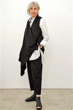Women fashion Indian Casual - Women fashion Over 50 Fifty Not Frumpy Colour - Fall Fashion Outfits, Cool Outfits, Black Women Fashion, Womens Fashion, Advanced Style, Fashion Project, Black Vest, Fashion Story, Minimal Fashion