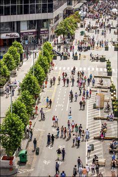 Place au piéton - voetganger koning 28.06.15 (inauguration zone piétonne - inhuldiging voetgangerszone) © Eric Danhier