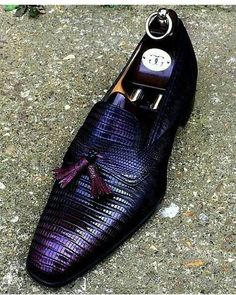 Men's rare lizard loafers available @nakedsuede www.nakedsuede.com (click link in bio) - - - #Fashion#Luxury#loafers#cigarlovers #Sneakers#Italy#golfing#LuxurySneakers#louisvuittonsneakers #luxury4less#Gucci#LV#DesignerShoes #london #minnesota #privatejets #tokyo #chicago #cigargirl #spikes #newyork #miami #NakedSuede #gold #pave #lizard #ebonymagazine #mezlan #ferrari #mensfashion