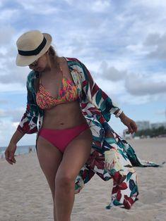 #kimono #verano #playa #flores #moda #mujeresbellas #miamibeach Kaftan, Cover Up, Beach, Dresses, Fashion, Vestidos, Kimonos, Summer Time, Unique Clothing
