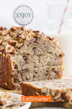 Healthy simple recipes: banana bread EAT SMARTER - Healthy simple recipes: banana bread, a healthy diet breakfast or perfect as a snack in between. Banana Dessert Recipes, Healthy Dessert Recipes, Easy Desserts, Simple Recipes, Keto Snacks, Dessert Simple, Healthy Cookies, Healthy Sweets, Eat Healthy