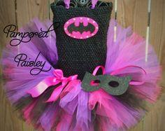 Vestido de superhéroe  traje de murciélago por PamperedPaisley