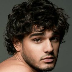 Men's Wavy Hairstyles - Messy and Wavy