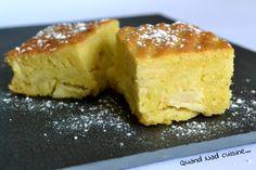 Voilà un délicieux fondant aux pommes dont j'ai déniché la recette chez ma copinaute Joëlle. Une recette Demarle à la base, destinée au moule tablette de la même marque. Je l'ai quelque peu simplifiée en réduisant la quantité de sucre dans la pâte, et...