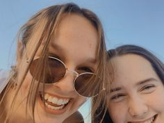 Round Sunglasses, Sunglasses Women, Fashion, Moda, Fashion Styles, Fasion