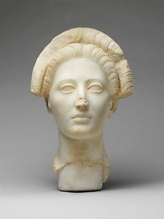 Marble portrait of a yound roman woman - Roman, Imperial Period, 98 - 117 AD.