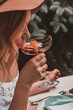 woman holding cocktail glass Photo by jacalynbeales on Unsplash Image Page 66127 Cocktail Glass, Cocktail Shaker, Getting Sober, Skinny Margarita, Wedding Toasts, Experience Gifts, Glass Photo, Margarita Recipes, Drink Recipes