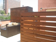 IPE Horizontal fencing at Outdoor Living Room, Harlem NYC - Modern Wooden Fence Gate, Wooden Fence Posts, Fence Doors, Brick Fence, Bamboo Fence, Fence Stain, Pallet Fence, Cedar Fence, Garden Fence Panels