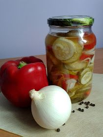 Onion, Garlic, Vegetables, Food, Onions, Essen, Vegetable Recipes, Meals, Yemek