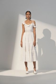 Check out the best looks from Prabal Gurung Resort 2018 Fashion Show. Vogue Fashion, Fashion 2018, Women's Fashion Dresses, Runway Fashion, Street Fashion, Dress For Summer, Summer Dresses, Spring Summer, Resort Dresses