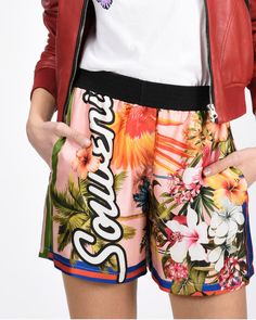 #Spring / #Summer 17  Immerse yourself in the new trend tropical  @pinkoofficial  #idressmap #PE17 #fashion #girl #beauty #instafashion #instagood #instastyle #mylook #lookoftheday #ootdshare #outfit #outfitoftheday #shopping #style #stylish #SS17 #pinko
