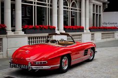 Beautiful red Mercedes Benz #300SL. Pic ©Thomas Howarth / #BuceAdams190SL #300SLRestorations