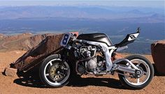 Monday Morning @marmite  bike - probably a 'like it' though? It's Guy Martin's GSXR!! #MarmiteBikes #GetGeared