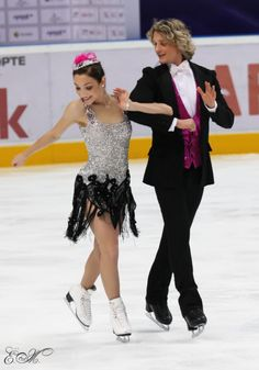 Meryl Davis and Charlie White.I love watching the ice skating.Please check out my website thanks. www.photopix.co.nz