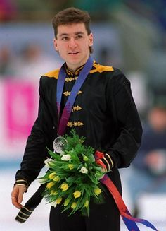 Elvis Stojko with his Silver medal at the 1994 Men's Olympic Figure Skating Championships in Lillehammer, Norway Summer Olympics, Ice Skating, Figure Skating, Kurt Browning, Canadian People, Sports Figures, Star Wars, Male Figure, Celebrities