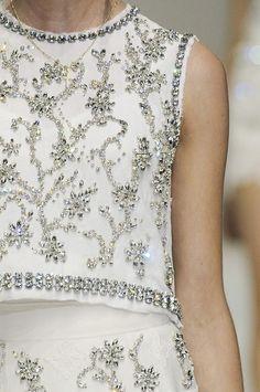 girlannachronism:    Dolce & Gabbana spring 2011 rtw details