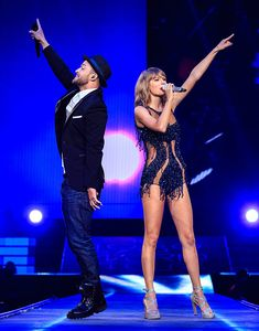 Okay, Taylor Swift's 1989 tour guests just keep getting better and better! She TOTALLY killed it on the last of five shows at the Staples Center and fans went absolutely wild when Justin Timberlake joined her on stage for a duet of 'Mirrors.' Watch here!
