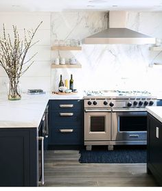 pictures of kitchen tiles you considered using blue for your kitchen cabinetry 4219