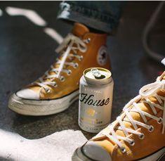 Beer Packaging, Beverage Packaging, Mead Wine, Nitro Coffee, Beer Photos, Pint Of Beer, Buy Beer, Drink Photo, Beer Brewery