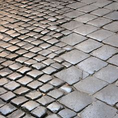 Texture au sol Variations of scale - Roman paving stones Detail Architecture, Landscape Architecture, Floor Patterns, Textures Patterns, Design Patterns, Urban Landscape, Landscape Design, Jardin Decor, Paving Pattern