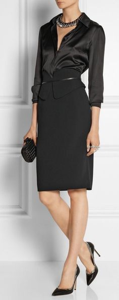 Workwear Black silk blouse and black pencil skirt Business Fashion, Business Outfit, Office Fashion, Work Fashion, Fashion Week, Womens Fashion, Fashion Trends, Business Casual, Trendy Fashion
