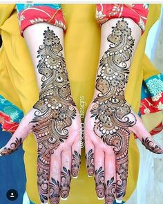 Boldly Made Arabic Mehendi Design Best Beautiful Front and Back Hand Mehndi Designs For Bridal! Easy Mehndi Designs, Latest Mehndi Designs, Arabic Bridal Mehndi Designs, Arabian Mehndi Design, Back Hand Mehndi Designs, Indian Mehndi Designs, Henna Art Designs, Mehndi Designs For Girls, Mehndi Designs For Beginners
