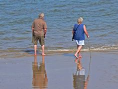 Find out what to SEE and DO in Sheringham. FREE online guided tour including Sheringham Beach, Town Centre and Railway Station. Norfolk Holiday, Tourist Information, Free Things, Tour Guide, Mens Sunglasses, Tours, Strand, Beach, Freedom