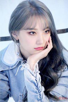 Pristin v, roa. shared by lost on We Heart It Kpop Girl Groups, Korean Girl Groups, Kpop Girls, Extended Play, Pristin Roa, Kim Min Kyung, Pledis Girlz, Fandom, I Love Girls