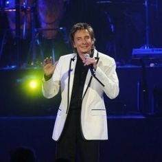 barry manilow photos 2000 | Barry Manilow