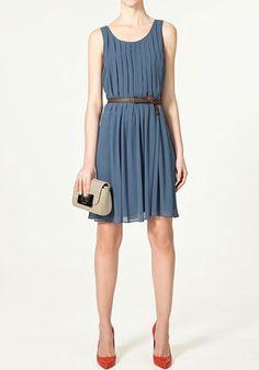 Blue Belt Pleated Round Neck Chiffon Dress