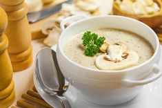 The original classic version of cooking light cream of mushroom soup. Serve with toasted baguette. Creamy Mushroom Soup, Mushroom Soup Recipes, Easy Soup Recipes, Creamed Mushrooms, Stuffed Mushrooms, Stuffed Peppers, Best Healthy Soup Recipe, Healthy Recipes, Craving Bread