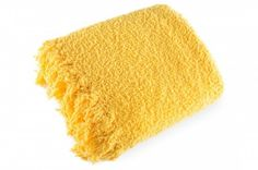 Žltá deka Szet je dostupná v dvoch rozmeroch: 150x200 alebo 170x210 cm.