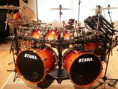 Diy Drums, Drums Art, Music Guitar, Guitar Amp, Double Bass Drum Set, Girl Drummer, Iron Maiden Posters, Neil Peart, Drum Solo