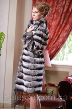 Chinchilla fur coat  over coat Length=100cm (from shoulder) Size S, M Price = $6700 / EUR5180 Delivery worldwide Шуба из натуральной шиншиллы. Силуэт классический. Подкладка - натуральная вискоза. Длина 100 см.