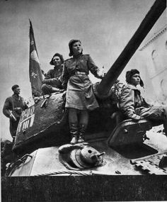 A Red Army T-34/85 of the 63rd Guards Tank Brigade in Prague, May, 1945. #war #history #tank #warriors #ussr #vintage #prague #soviet #redarmy #tanks #guns #1945 #40s