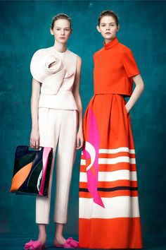 The complete Delpozo Pre-Fall 2017 fashion show now on Vogue Runway.