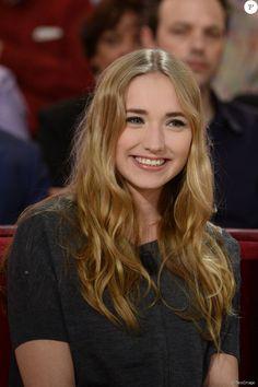 """Chloé Jouannet (fille d' Alexandra Lamy) - Enregistrement de l'émission """"Vivement Dimanche"""" à Paris le 19 mars 2014."""