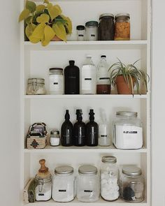 Over 30 unique kitchen storage ideas that you can use in your kitchen DIY: Country addition Kitchen Shelves – creating pantry space in the kitchen by appendage shelves and glass canisters behind seals. Minimalist Interior, Minimalist Living, Minimalist Bedroom, Minimalist Decor, Minimalist Wardrobe, Minimalist Kitchen, Modern Minimalist, Kitchen Pantry Storage Cabinet, Kitchen Shelves