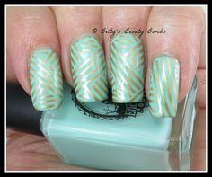 Green and Gold Nail Art Stripes