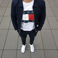 WEBSTA @ comfordsblog - My favourite Tee this yearSo many of you have been asking me about it, it has been restocked yesterday @tommyhilfiger @hm Canvas Jacket@tommyhilfiger Tee@asos_de Chino pants@adidas_de Ultra Boost's #ootdmen #menwithstreetstyle #bestofstreetwear #trillestoutfit #outfitsociety #outfitplace #outfitfromabove #povoutfit  #ldnfashiontrends #nextfvshion #streetwearde #dailystreetlooks #introfashion #backtominimal #lavishfashion #minimalmovement #hypebeast #hypedheaven…