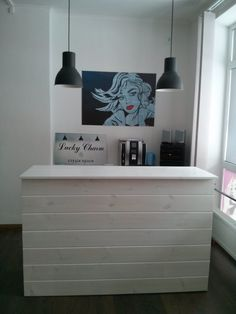 22 Ideas decor salon hair reception desks for 2019 Decor, Beauty Room, Spa Decor, Trendy Decor, Salon Interior Design, Desk, Interior, Salon Decor, Salon Reception Desk