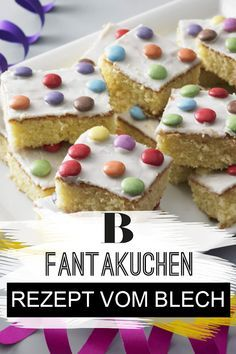 Fantakuchen vom Blech - einfach und schnell Soda cake with chocolate lentils. Fanta cake made from s Soda Cake, Cake Recipes, Dessert Recipes, Fantasy Cake, Cinnamon Cream Cheeses, Pumpkin Spice Cupcakes, Food Cakes, Fall Desserts, Ice Cream Recipes