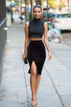 33 Gratifying Times Celebrities Wore Something Really Affordable. These celebrities are giving us some *serious* outfit inspiration that won't break the bank!  Emily Ratajkowski keeps things sultry in this Primark velvety pencil skirt, which at $11, likely costs less than a trip to the movies to see her new film We Are Your Friends.