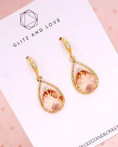 Gold Champagne Teardrop Earrings, simple teardrop earrings, bridesmaid earrings, bridal shower gifts, wedding jewelry, www.glitzandlove.com