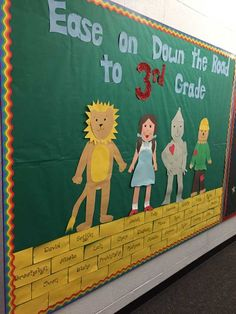 Wizard of Oz school-themed bulletin board. This one welcomed kids back to school #dorothy #toto